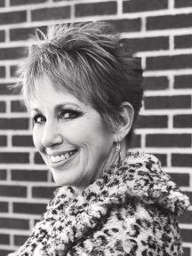 Debra Morton Headshot